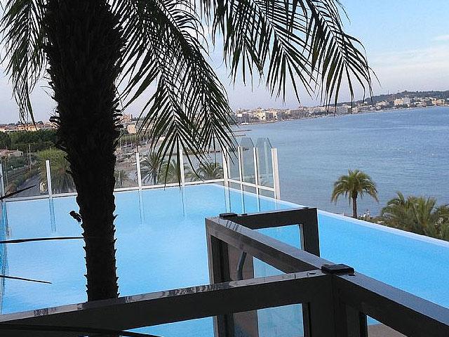 le palais napoleon golfe juan, te koop, luxe appartement met zwembad, concierge, direct aan zee, 2 badkamers, groot terras, cote dazur, zuid frankrijk