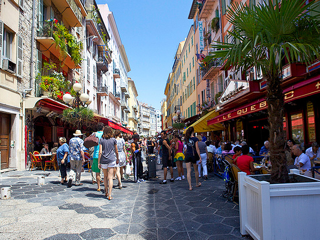 Waarom veel mensen een appartement kopen in Nice, Côte d'Azur