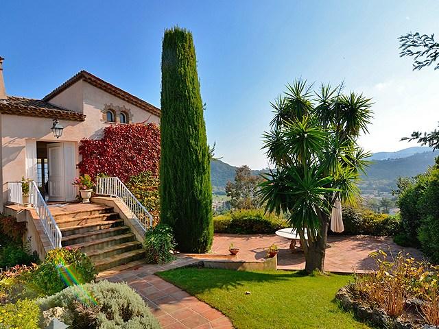 Romantische villa in Mandelieu te koop aan de Côte d'Azur