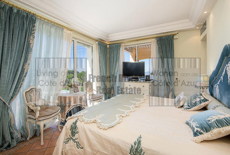 Close to Cannes beautiful Provencal style property