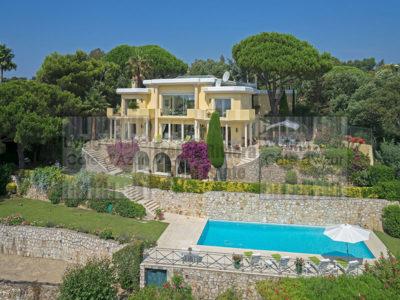 Renaissance style villa in Super Cannes