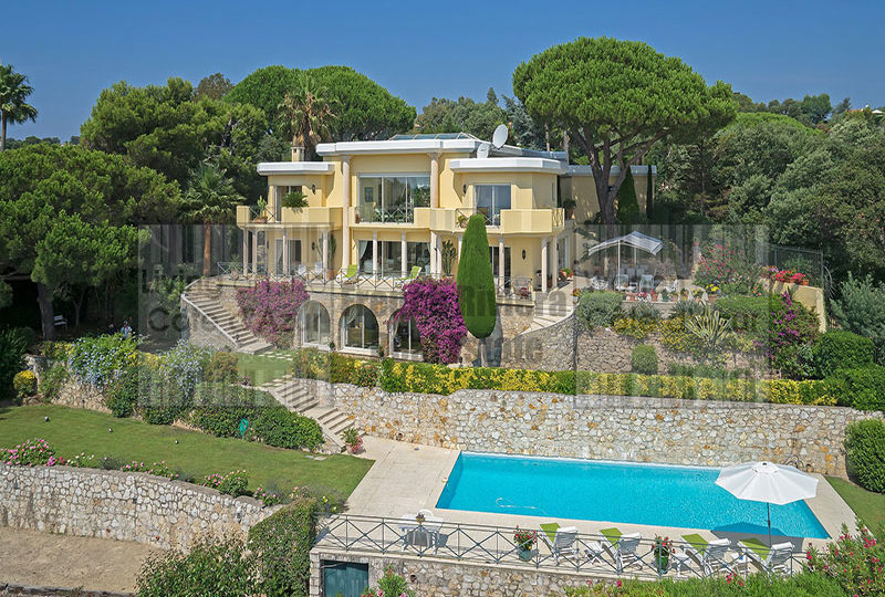 Renaissance style villa in Super Cannes