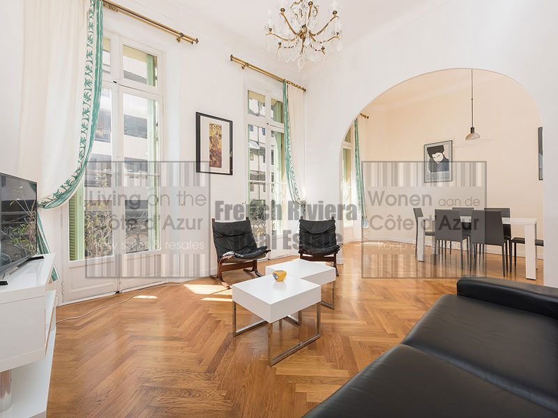 Bourgeois apartment in central Cannes