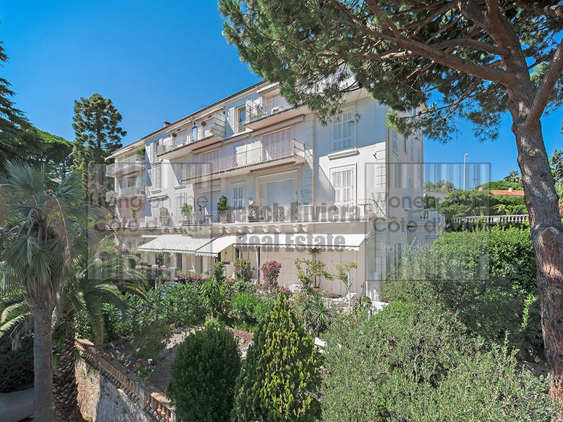 Cannes 3 bedroom apartment in old style residence
