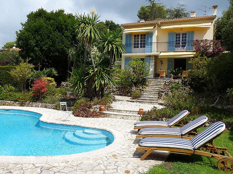 Biot-Luxe-Provençaalse-villa-met-zwembad-heerlijk