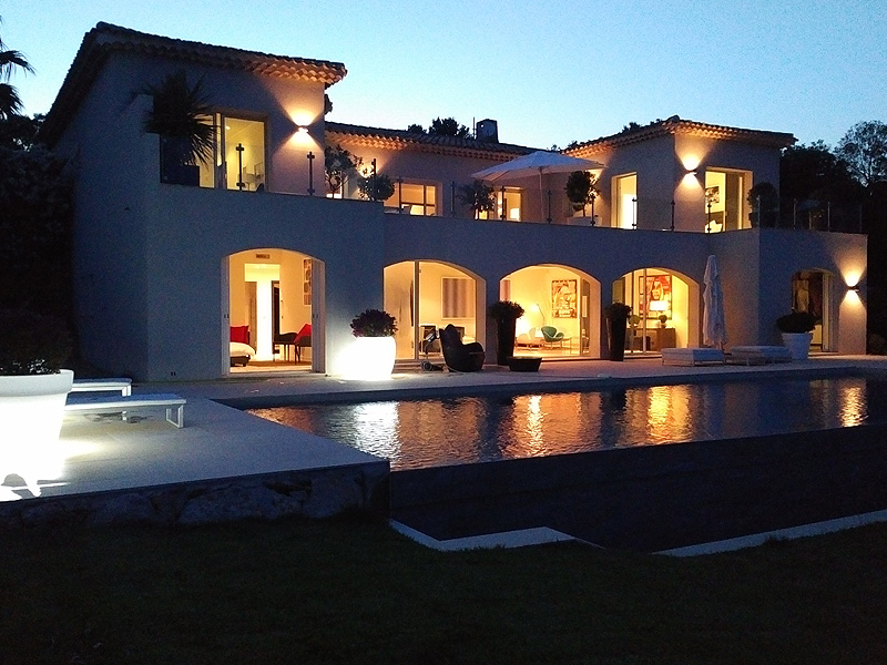 nieuwe-villa-te-koop-grimaud-bij-golfbaan-zicht op-saint-tropez