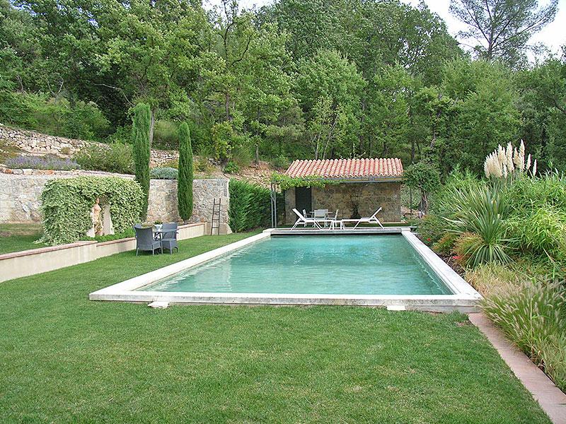 Seillans luxe villa te koop met verwarmd zwembad en atelier