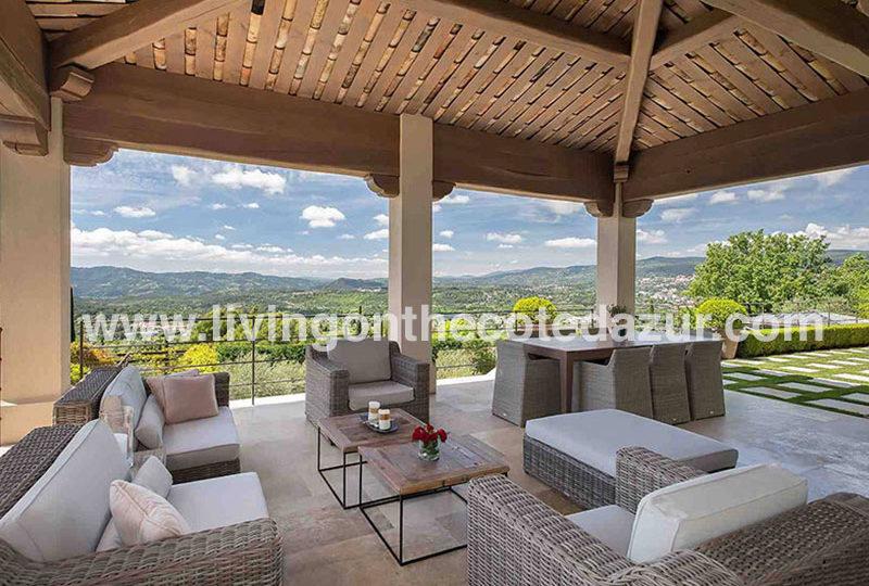 Nieuwe bastide villa in rustig domein, vlakbij Mougins te koop