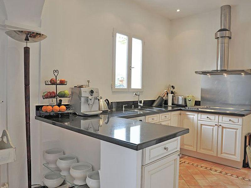 huis aanbod zuid frankrijk te koop Provencaalse stenen Mas 17e eeuw met extra bouwgrond Saint Paul en Foret