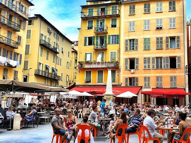 Place Rosetti, Nice Côte d'Azur in Top 10 mooiste pleinen van Frankrijk