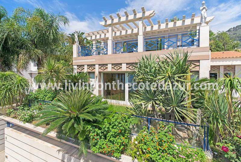 Unieke villa direct aan zee Beaulieu sur Mer