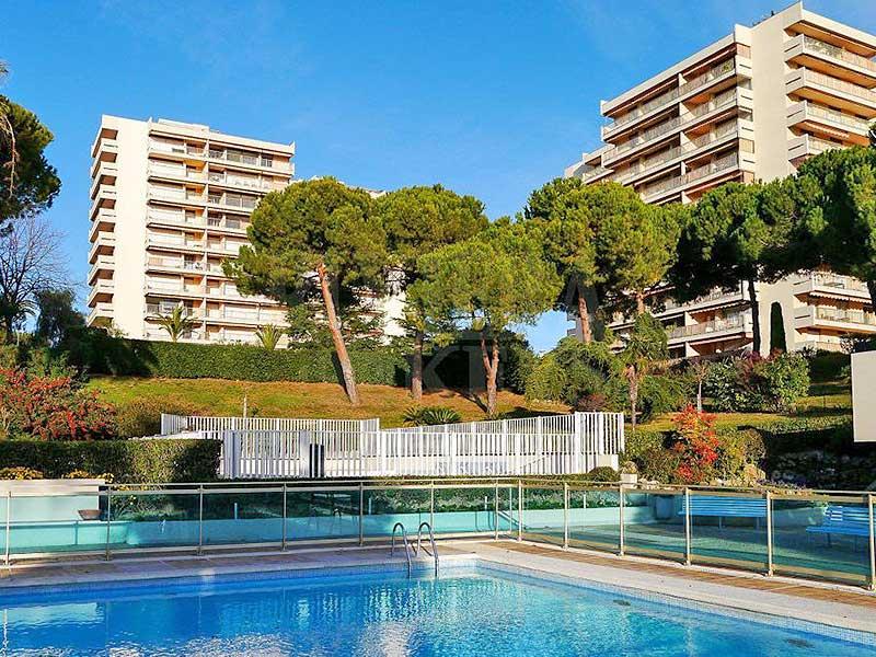Ideaal 2 slaapkamer vakantie appartement Juan les Pins te koop