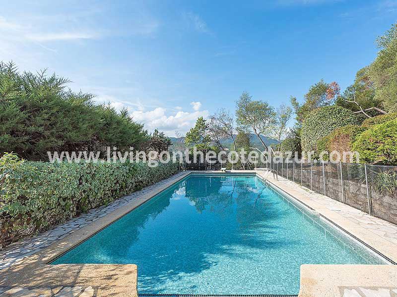 Provençaalse villa Mandelieu Minelle met zeezicht en zwembad