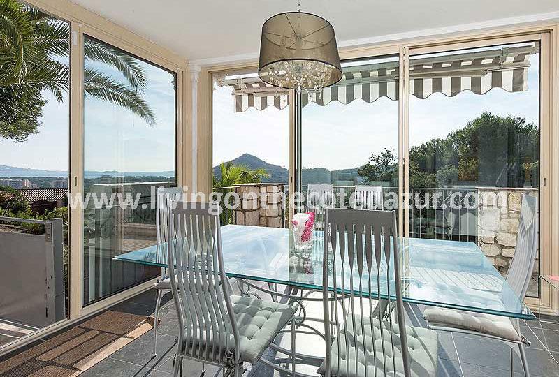 Proven aalse villa mandelieu minelle met zeezicht en zwembad - Provencaalse terras ...