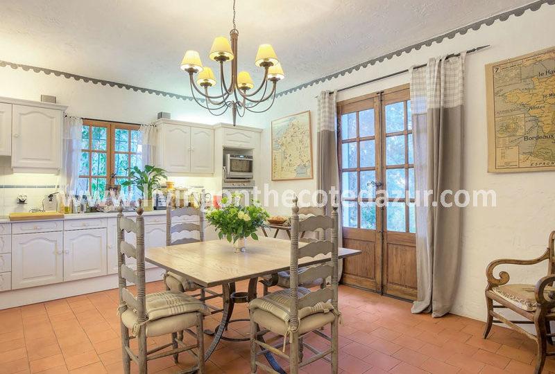 Charmante villa 'English style' Mandelieu Capitou