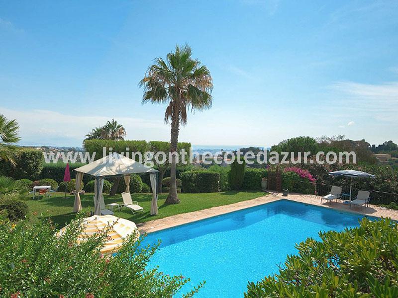 Exclusief wonen: unieke villa Super Cannes met 360 graden uitzicht