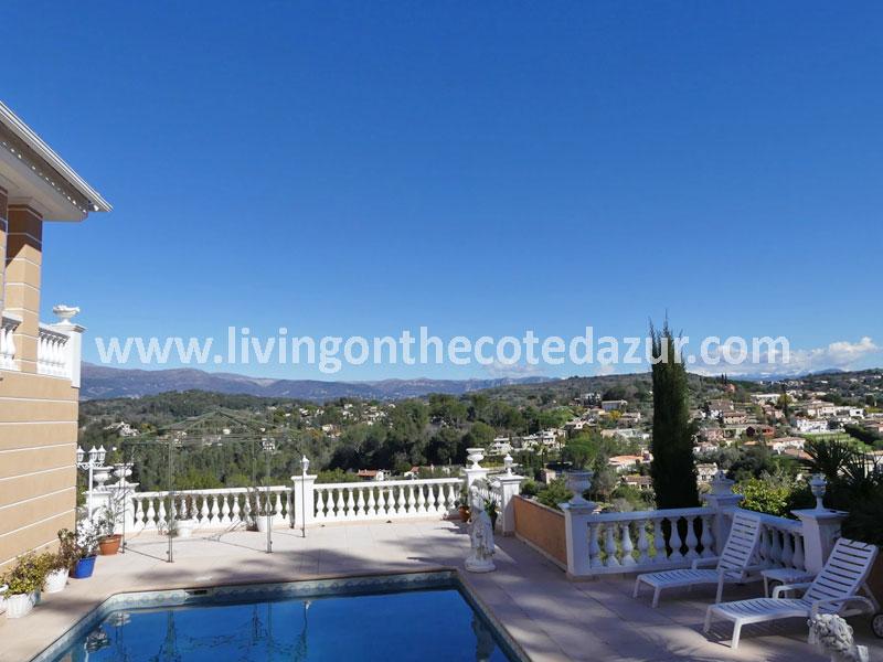 Grote Neo Provençaalse villa met super uitzicht over Middeleeuws Biot