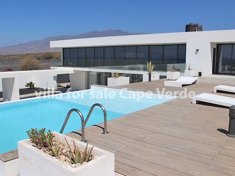 Kaapverdië te koop: ruime moderne villa met zwembad en vele mogelijkheden