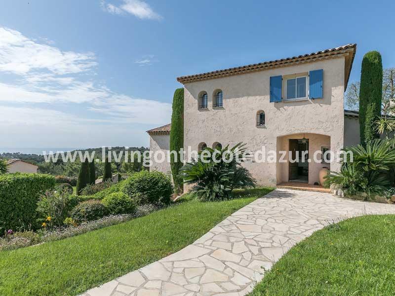 Familie villa Antibes te koop