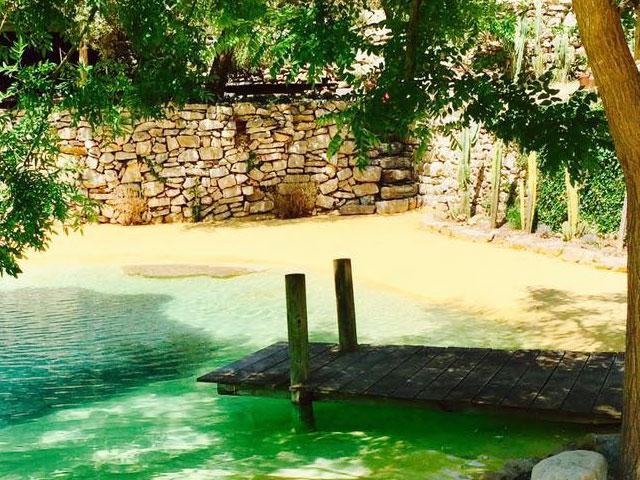 Exclusief buiten zwembad in de vorm van een privé strand - Côte d'Azur