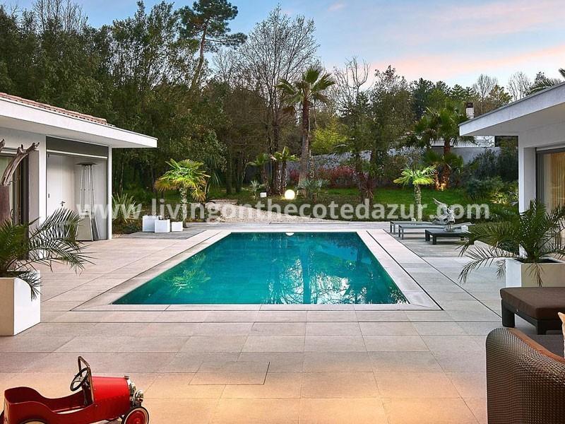 Valbonne: super luxe California style villa