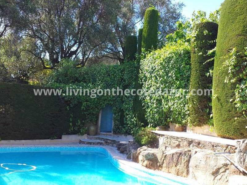 Uitzonderlijke Antibes villa met zeezicht en zwembad, geschikt voor B&B