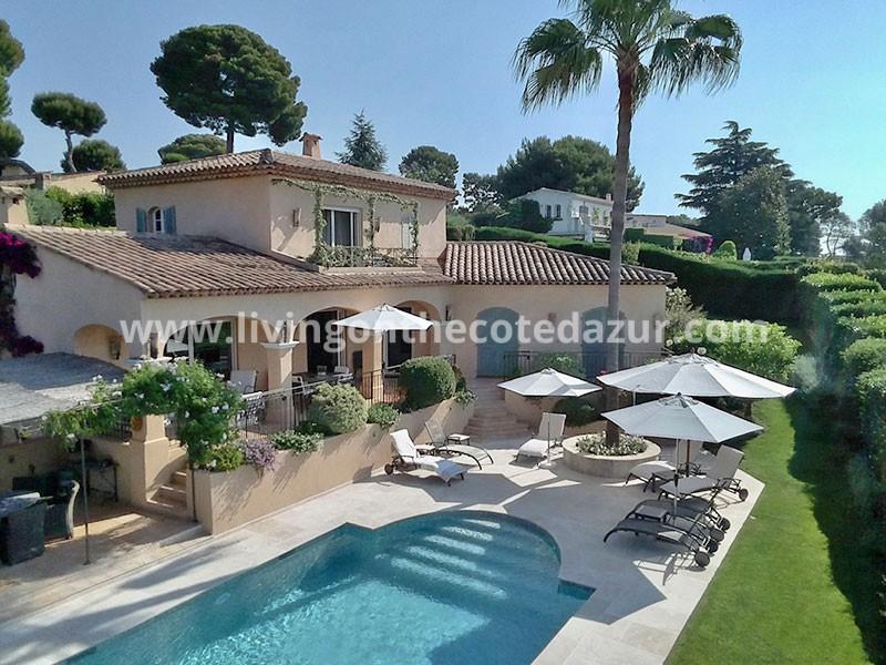 Schitterende Provençaalse villa in domein op toplocatie Juan les Pins