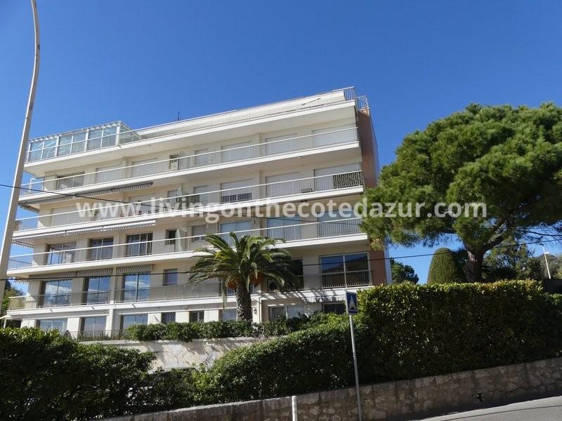 Cannes Palm Beach twee slaapkamer appartement met zeezicht