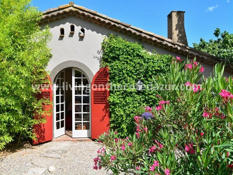 Gerenoveerde stenen Provençaalse bastide Mougins uit 1800