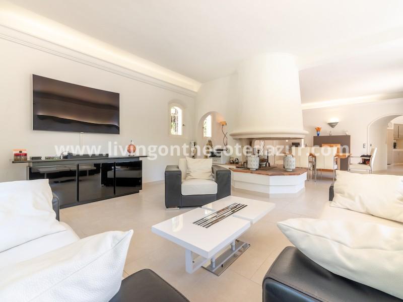 Prachtige villa op rustige locatie 800 meter centrum Saint Paul de Vence