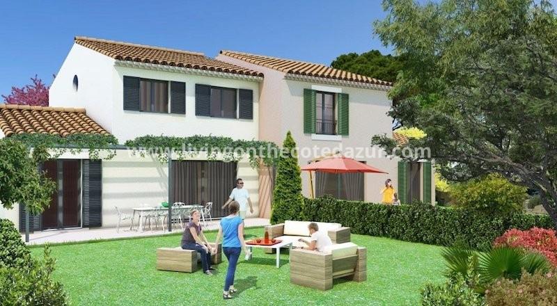 Nieuwe villa in klein domein centrum Sainte Maxime