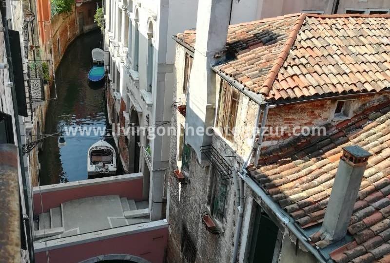 Uniek pand van 500 m² met boothuis bij Rialto-markt, Venetië, Italië