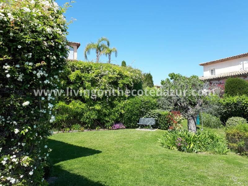 Provençaalse villa met zeezicht in domein met zwembad tussen Biot, Nice en Antibes