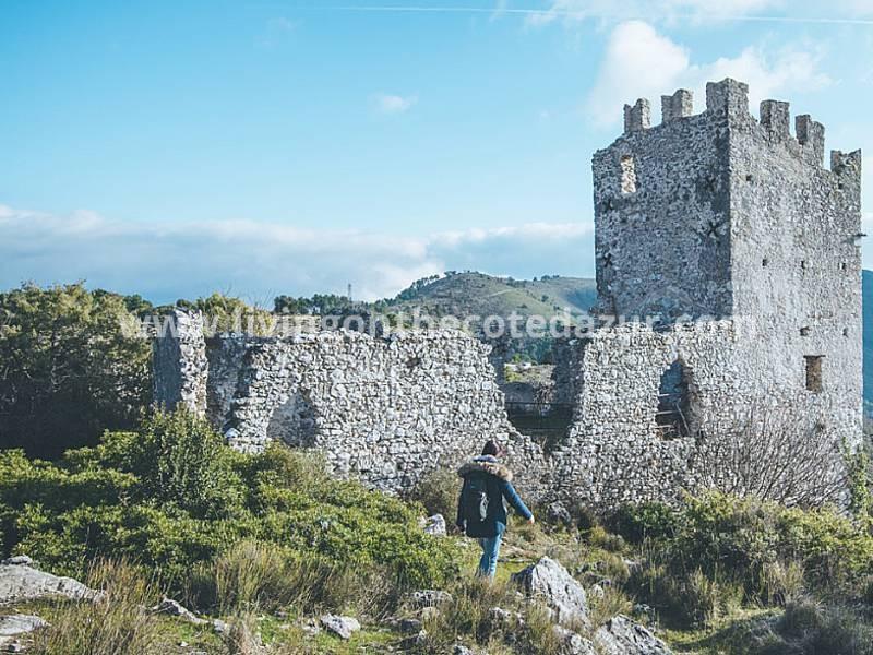 Nieuwbouw Châteauneuf-Villevieille, middeleeuws bergdorpje achter Nice